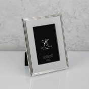 Elegance silver plated photo frame feature image